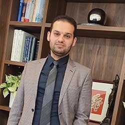 احسان عابدین وکیل پایه یک دادگستری و مشاور حقوقی کانون وکلای دادگستری مرکز