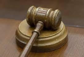 کسی که به دیگری بدهی دارد و محکوم شده در چه صورتی زندانی می شود؟